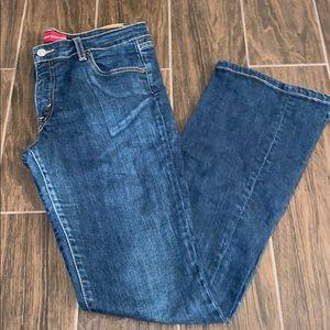 Levi's 518 super low stretch jeans.